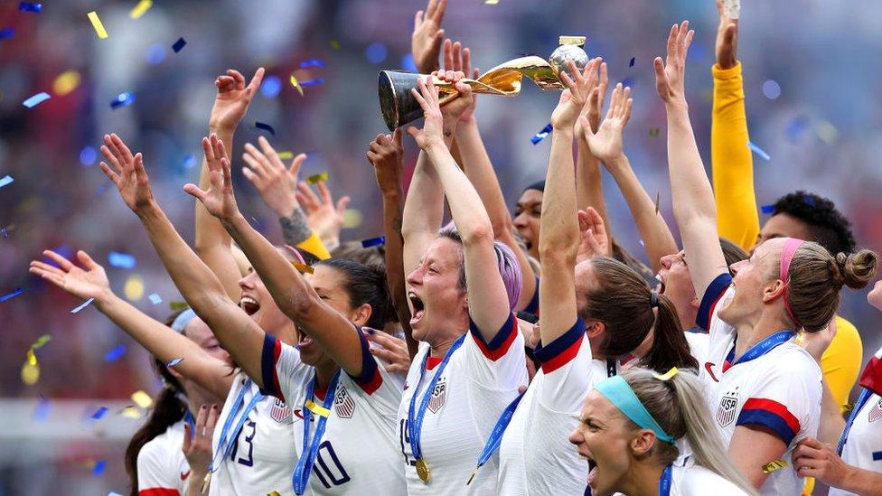 El equipo de Estados Unidos campeón del Mundial FIFA femenino en Francia 2019.