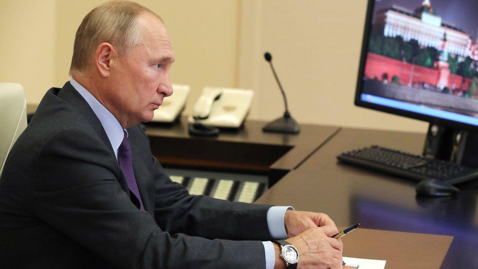 В Ново-Огарево на карантине. Как пандемия ограничила доступ к Владимиру Путину