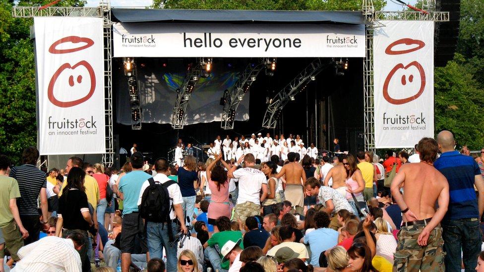 Una estrategia de promoción fue organizar festivales de música.