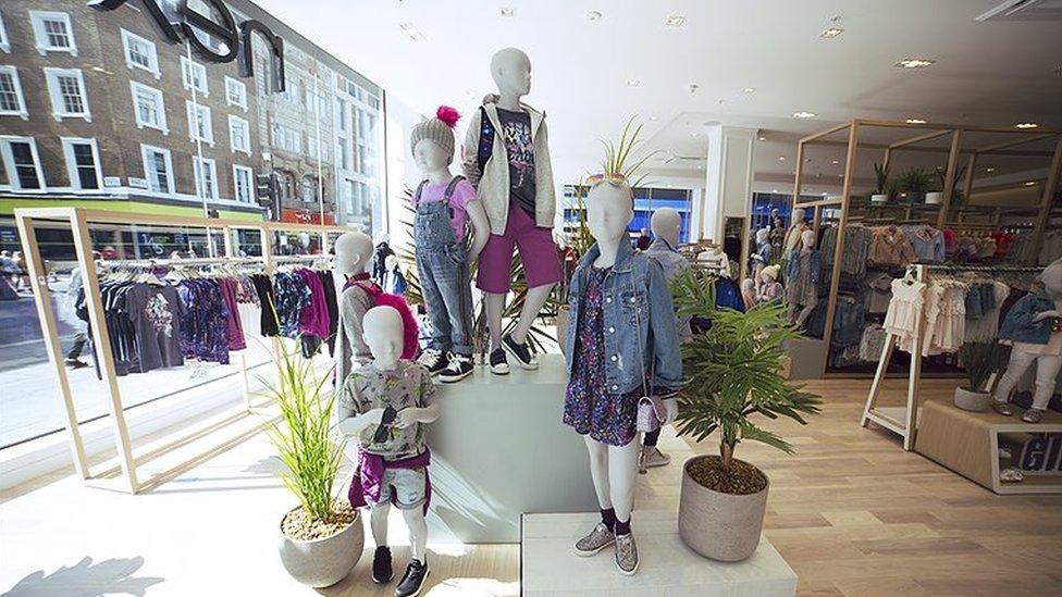 Next shop display