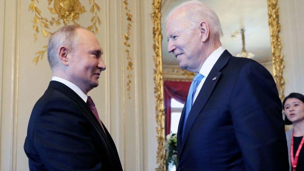 Vladimir Putin y Joe Biden, en su primer encuentro cara a cara.