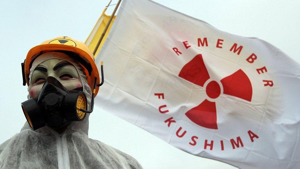 Protestas en contra del empleo de energía nuclear.