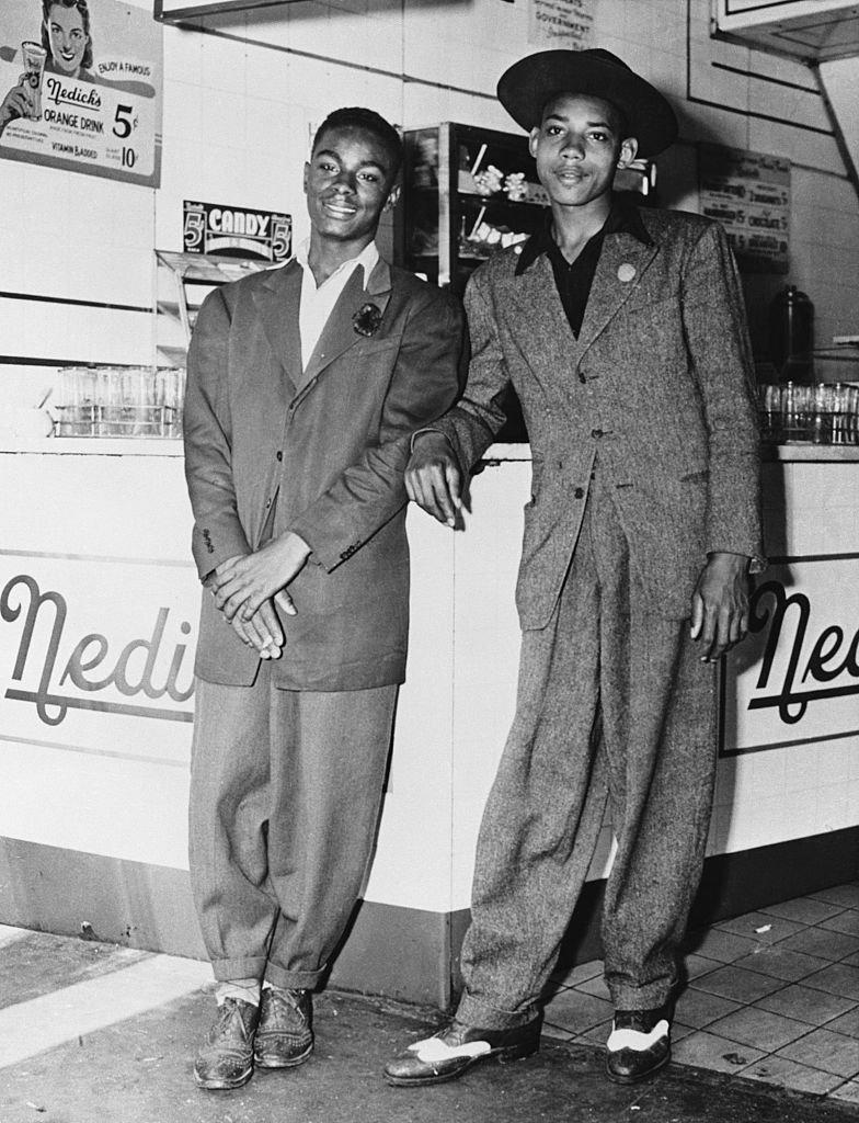 Afroestadounidenses con zoot suit
