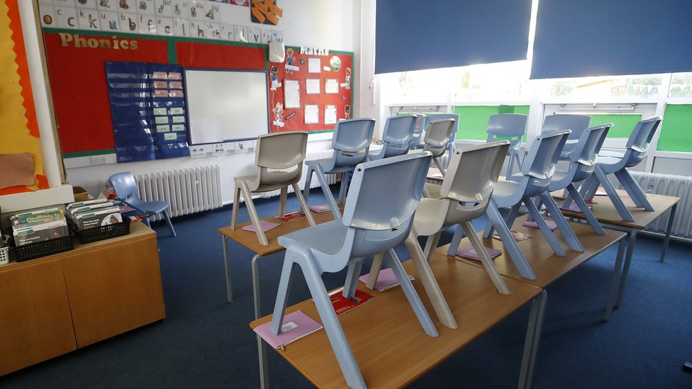Covid: All London primary schools to stay closed thumbnail