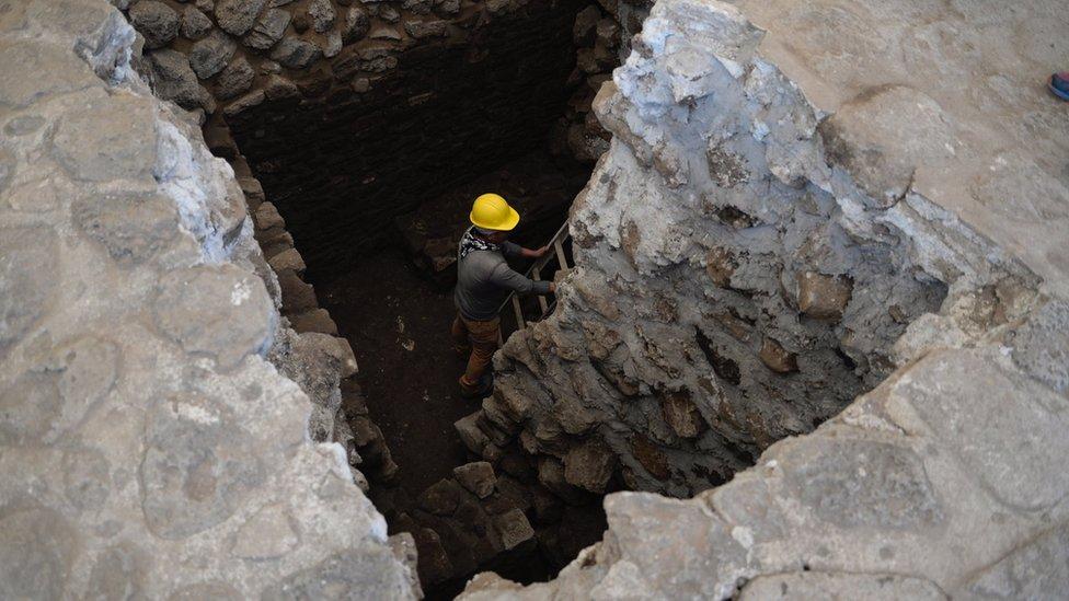 Los expertos realizaron un escaneo sobre la pirámide y encontraron la estructura desconocida.