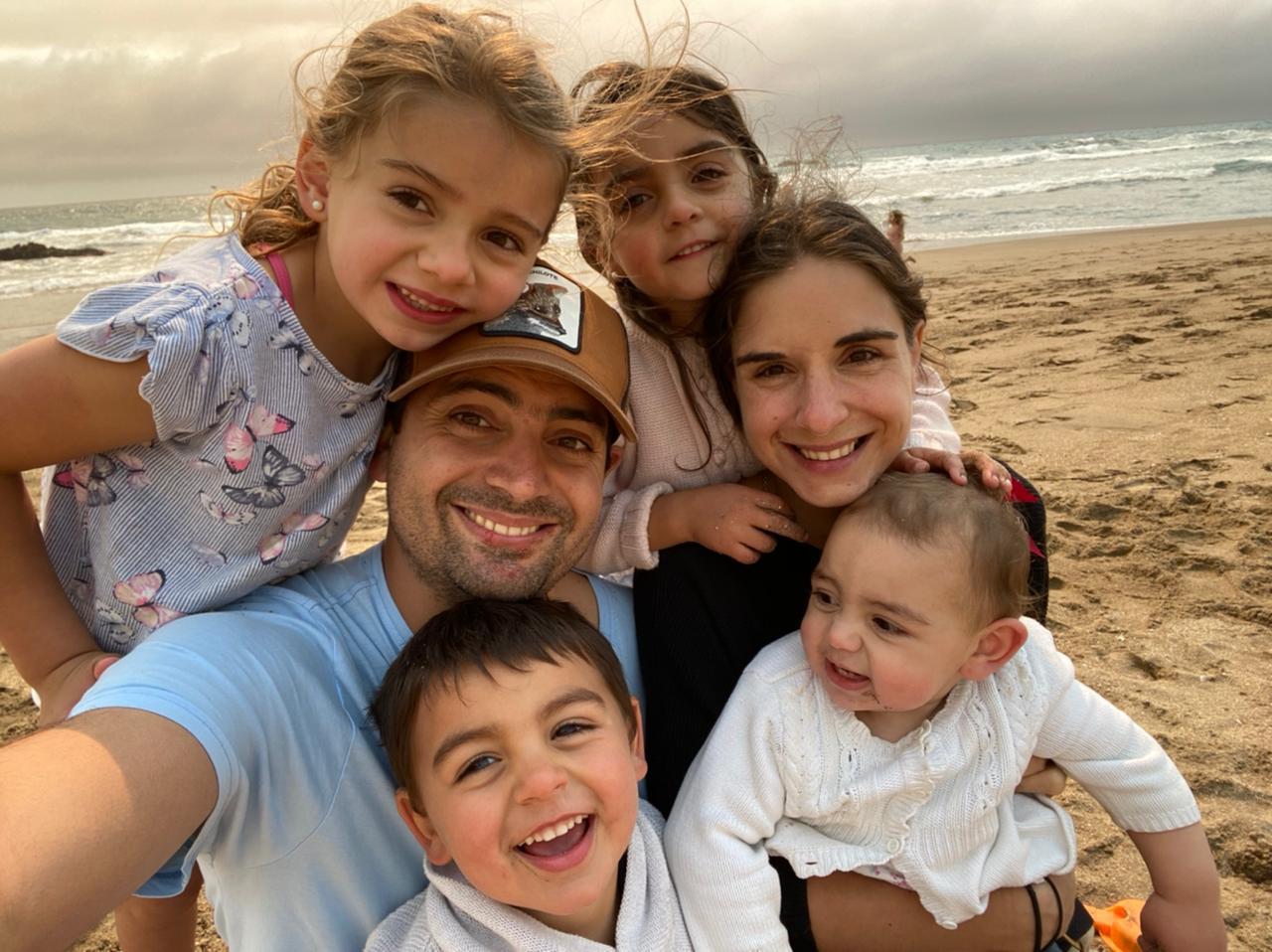 Verónica junto a su familia