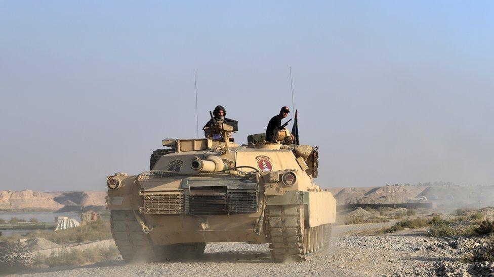 Un tanque iraquí en acción.