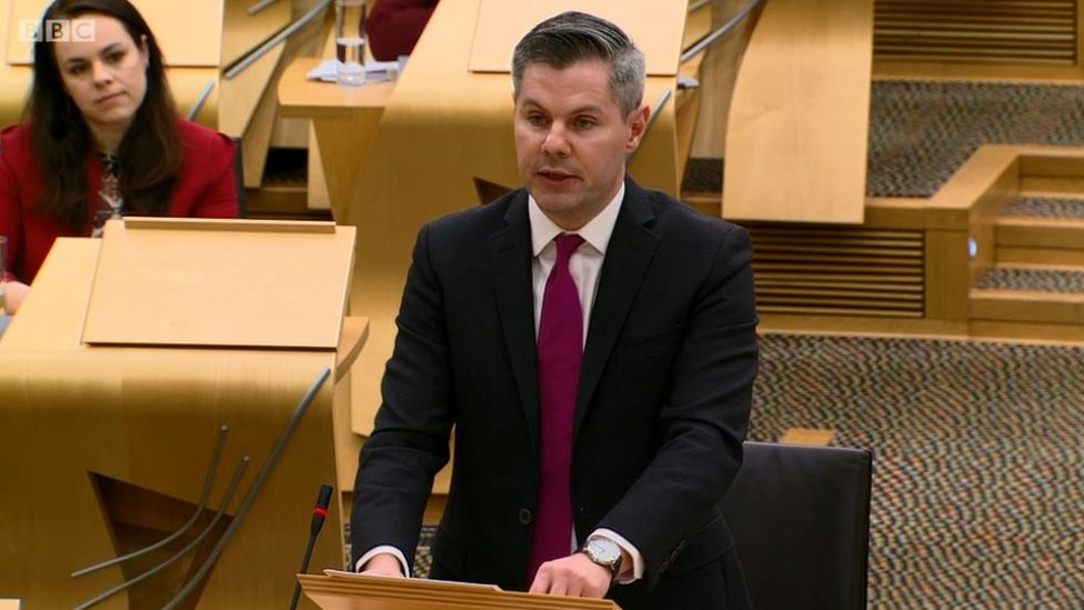Scottish budget: Higher earner income tax gap to widen