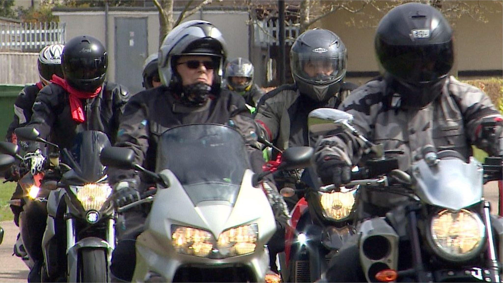 Bikers join Gorleston funeral cortege for 'biker chick'