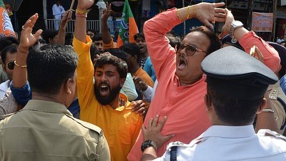 पश्चिम बंगाल में हिंसा पर टकराव, शाह ने मांगी रिपोर्ट: प्रेस रिव्यू