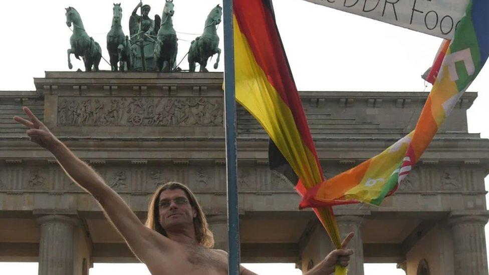 Goli demonstrant u Berlinu
