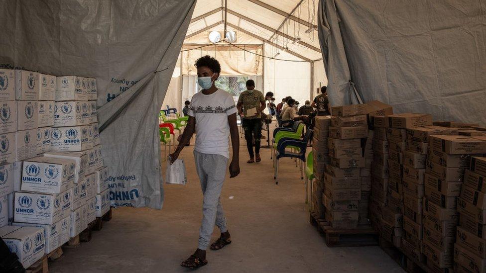 BM'nin yardım çadırı.