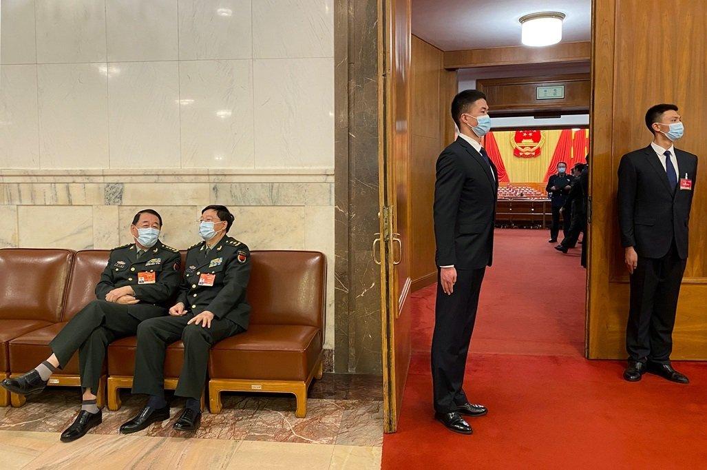 「兩會」的全體會議一般在北京人民大會堂召開。
