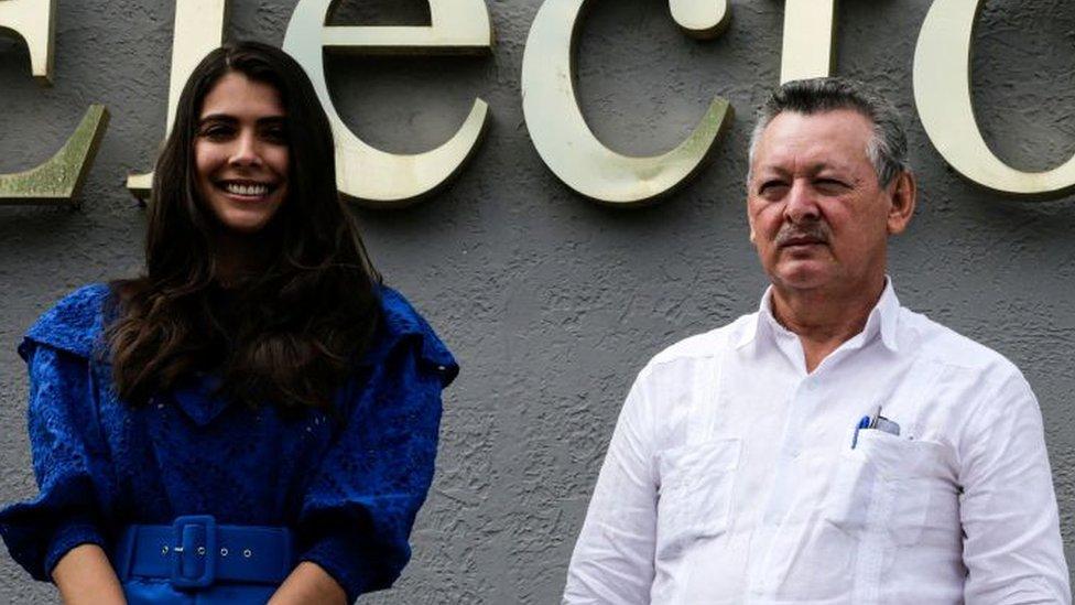 Oscar Sobalvarro y Berenice Quezada.