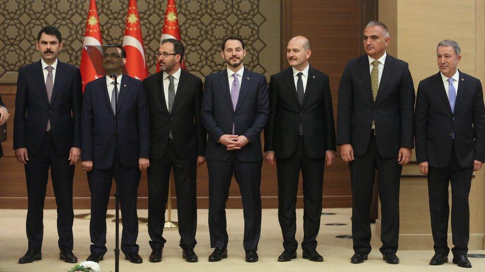 Yeni kabinedeki bazı bakanlar, orada Berat Albayrak