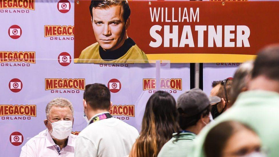 El actor canadiense interpretó al famoso capitán James T Kirk.