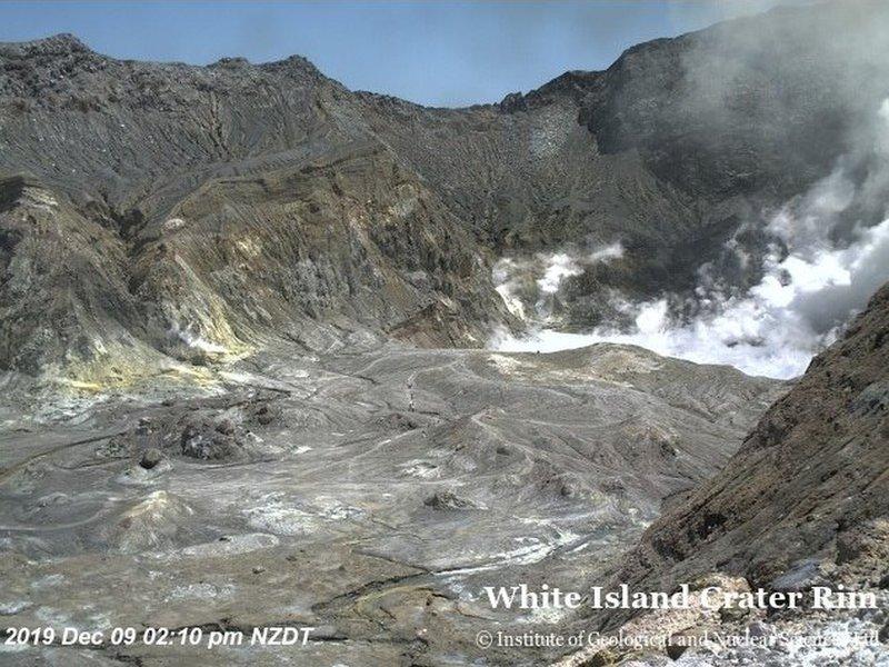 Dentro del cráter.