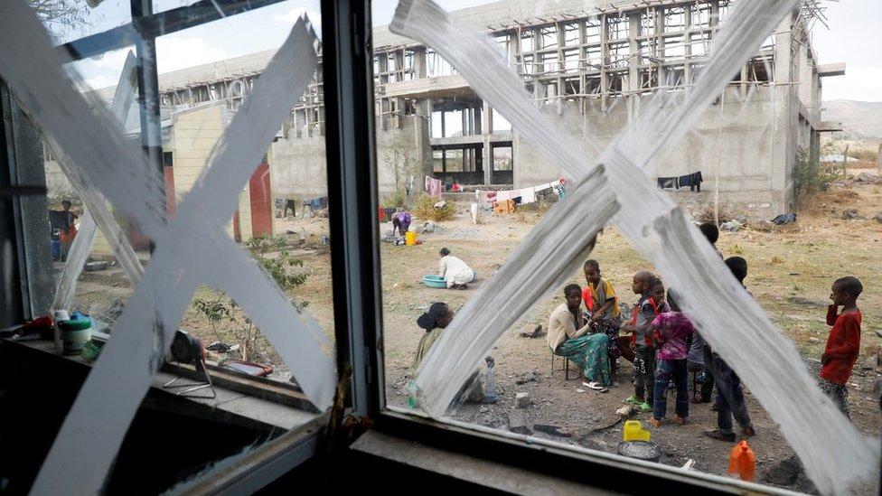 مجموعة من المواطنين المهجرين من إقليم تيغراي الشهر الماضي