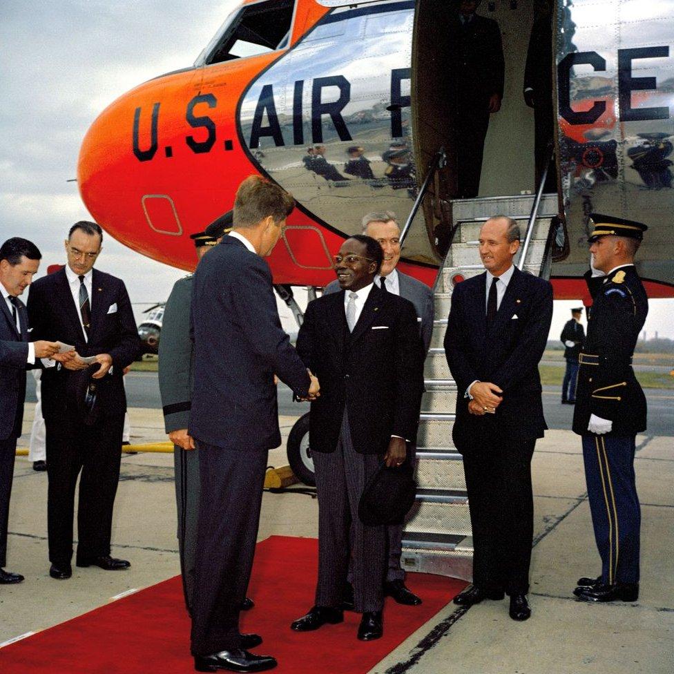 Presiden John F. Kennedy bertemu Presiden Senegal Leopold Sedar Senghor