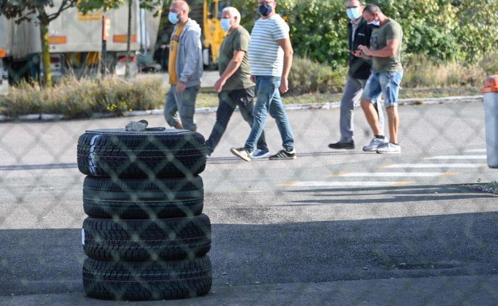 neumáticos.