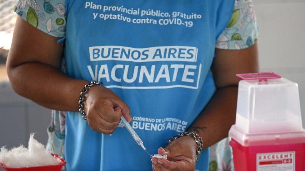 Operativo de vacunación en Buenos Aires.