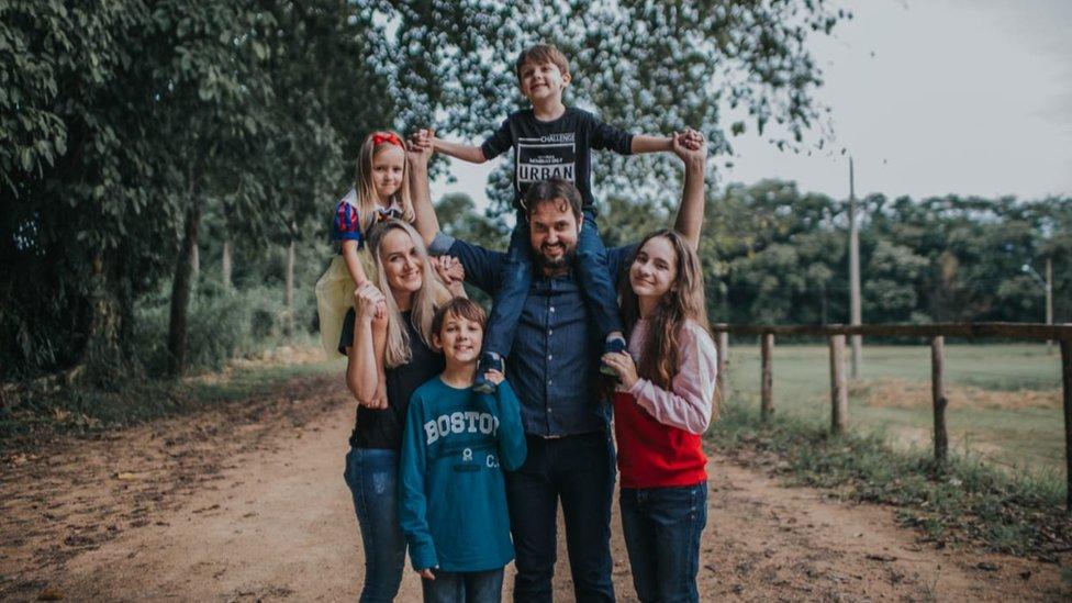 Rafael y su familia