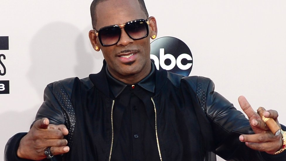 R Kelly en los American Music Awards de 2013.