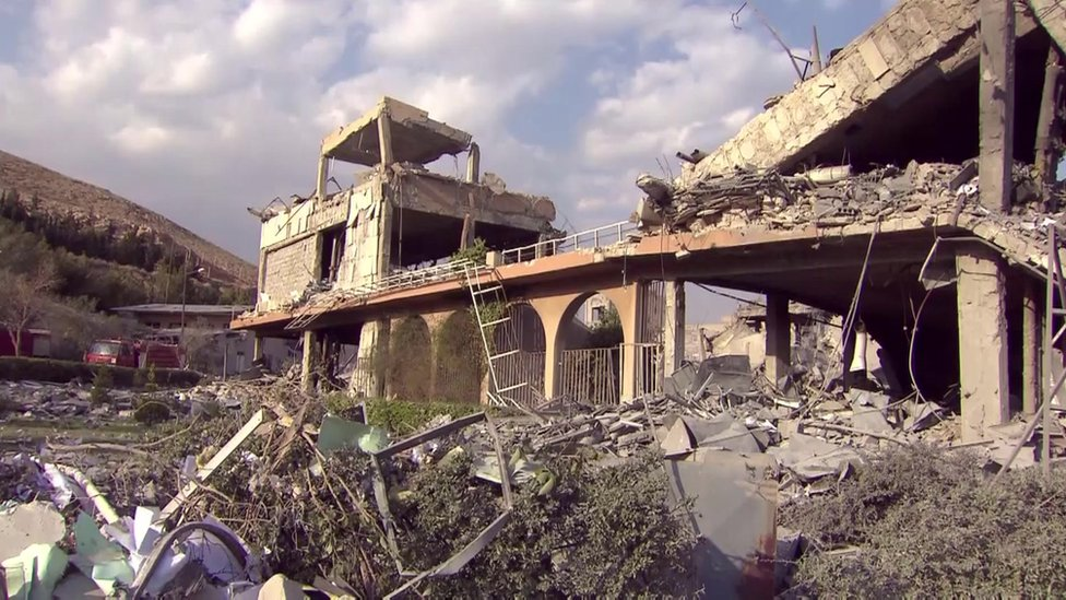 Aftermath of strike on site in Barzeh (14/04/18)