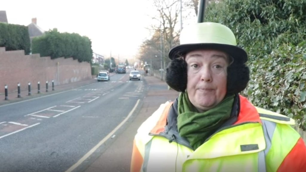 Gateshead lollipop lady quits over safety concerns