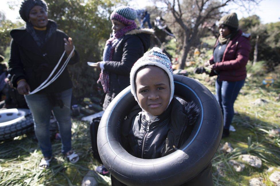 Grupa izbeglica na obali Turske
