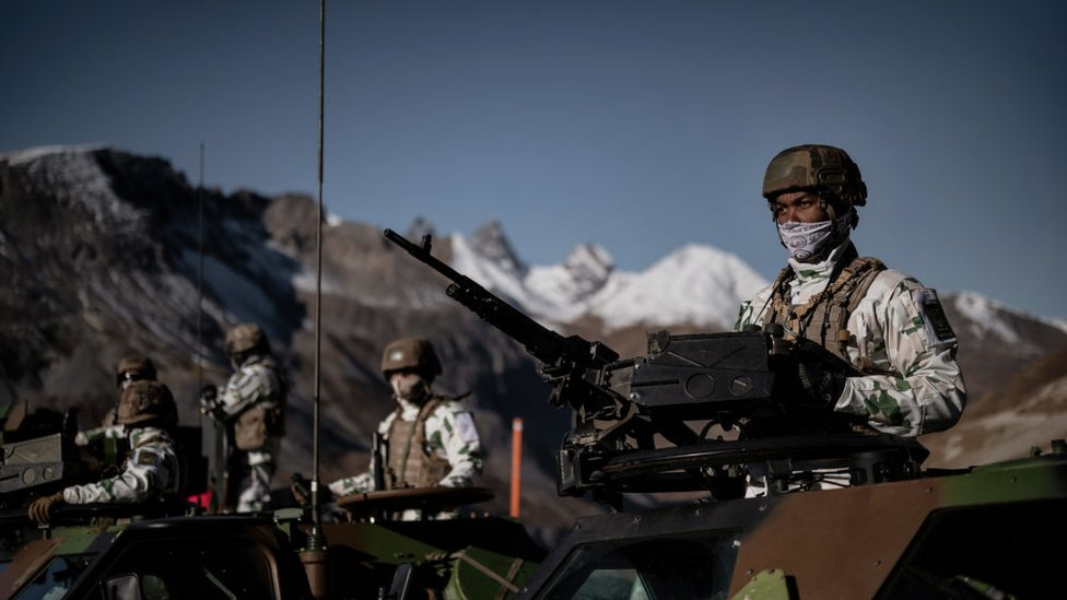 French troops training in the mountains in November 2020
