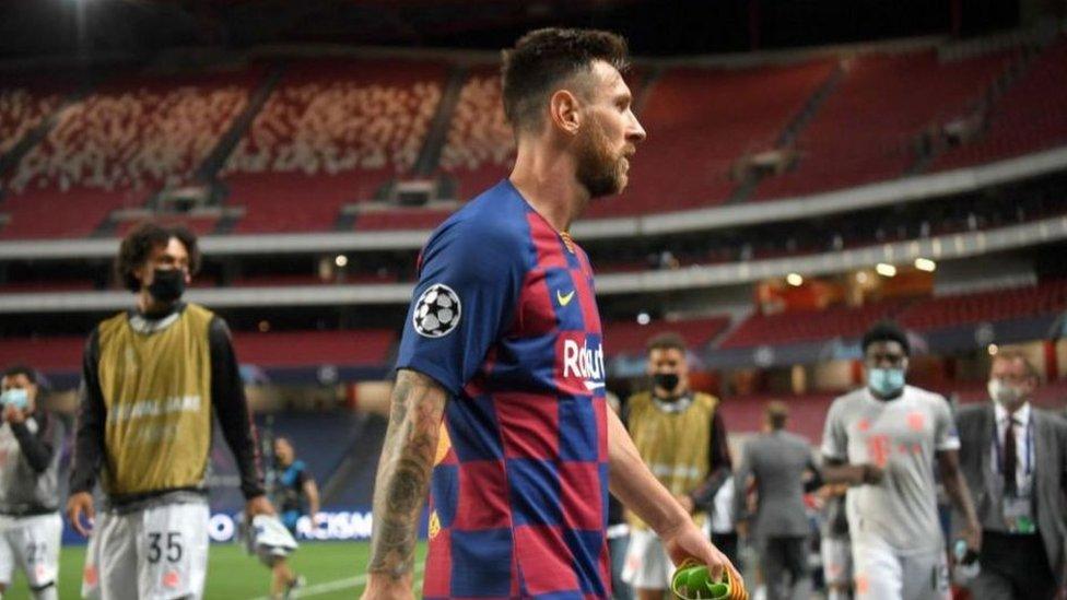فاز ميسي بجائزة الكرة الذهبية ست مرات وفاز بدوري أبطال أوروبا أربع مرات مع برشلونة