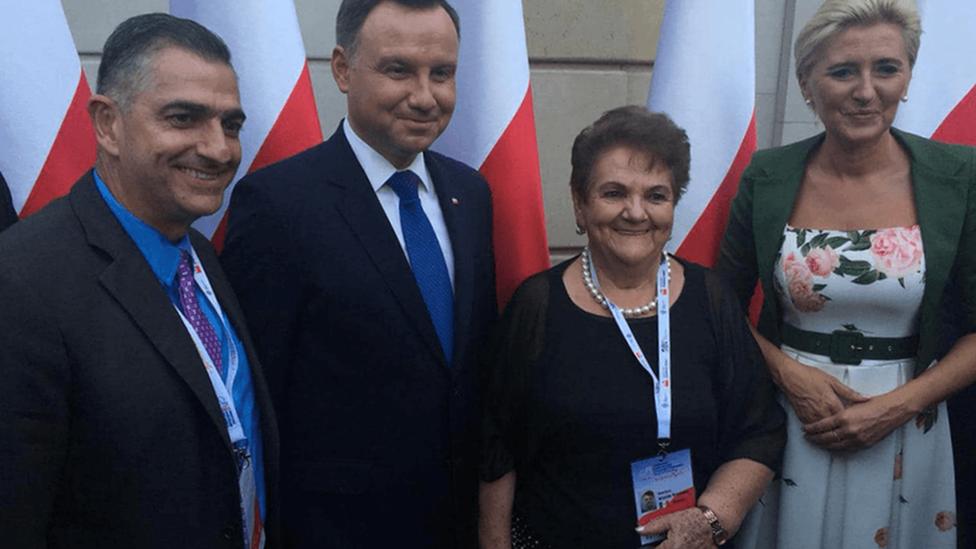 Valentina Grycuk junto al presidente polaco y su esposa.