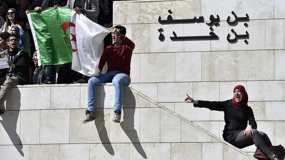 NO USAR / BBC Protesta de argelinos jóvenes
