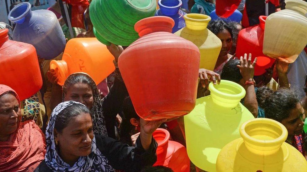 تعاني مدينة تشيناي الهندية من نقص المياه