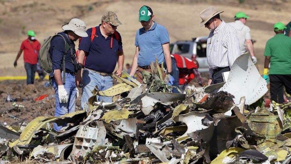 Američki istražitelji pored olupine aviona Etipijan erlajns