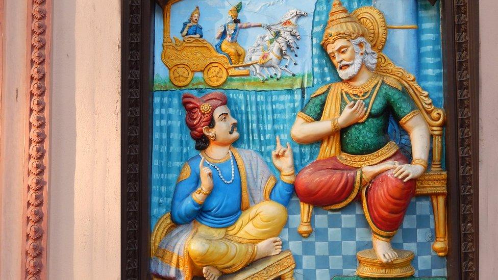 Міністра висміяли за заяву, що інтернет винайшли в давній Індії