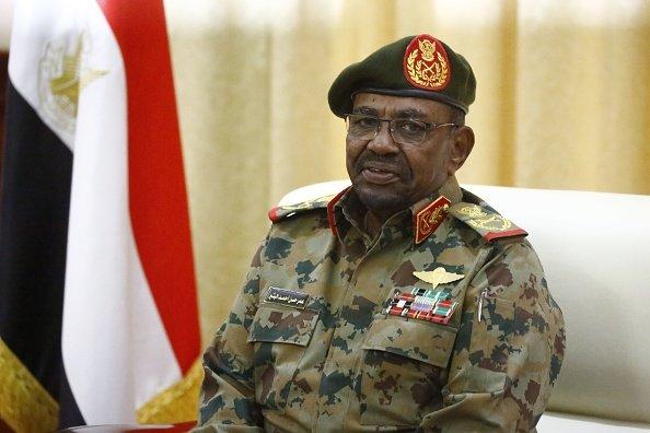 البشير في القصر الرئاسي في الخرطوم يوم أمس
