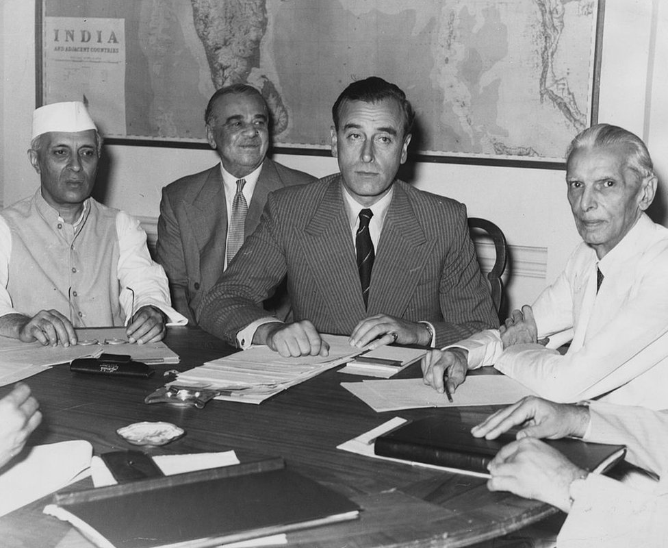Indian nationalist leader Jawaharlal Nehru (l), and Viceroy of India Lord Louis Mountbatten (c) discuss Partition with the President of the All-India Muslim League Muhammad Ali Jinnah (r)