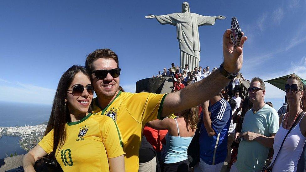 Turistas en el Cristo del Corcovado