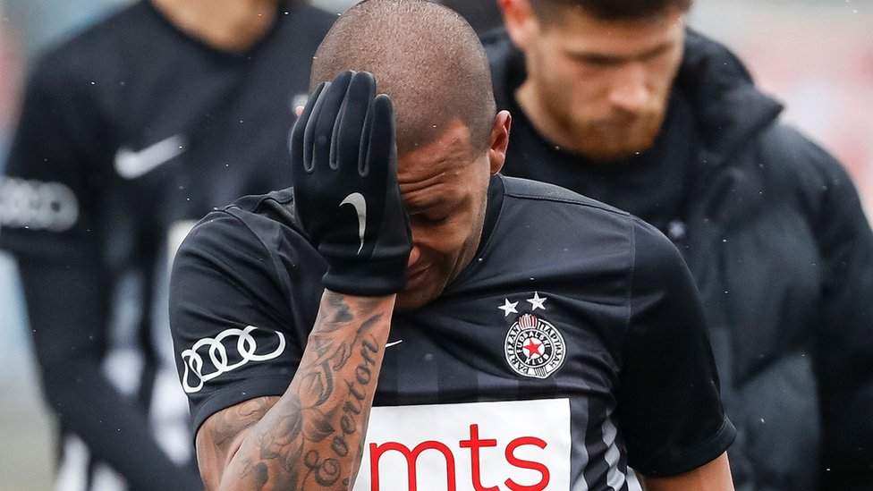 Everton Luiz in tears after the match, 19 Feb 17