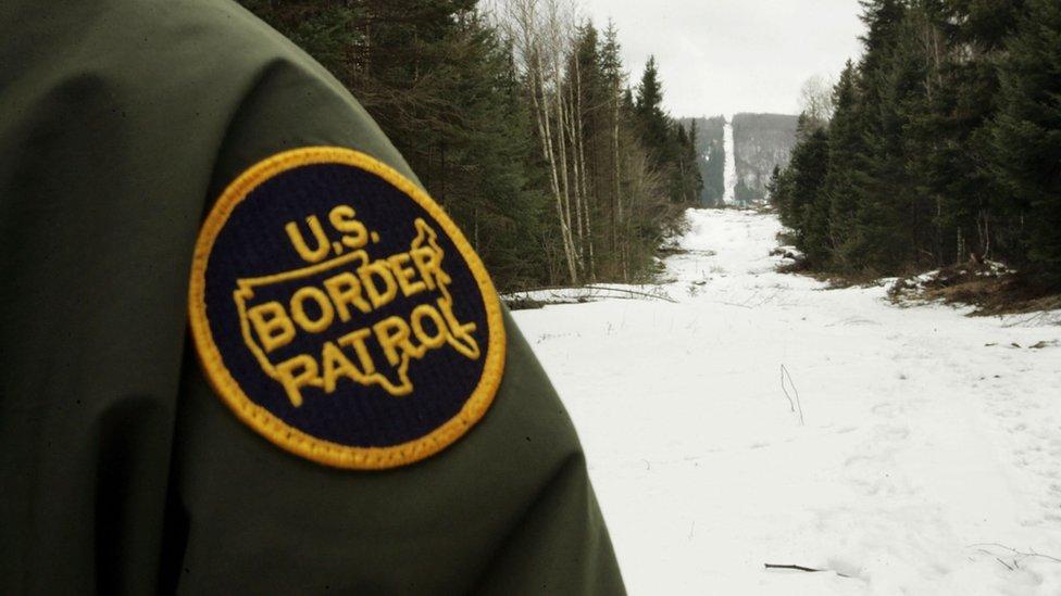 """""""La vista"""" que delimita la frontera entre Estados Unidos y Canadá."""