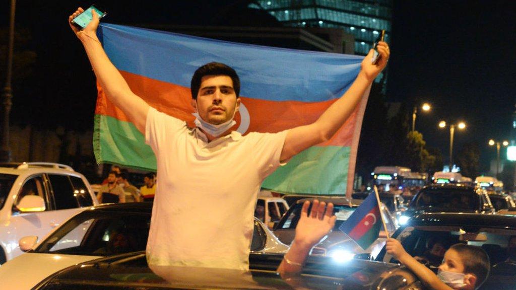 Дайджест: протесты в Баку и Бэнкси в лондонском метро