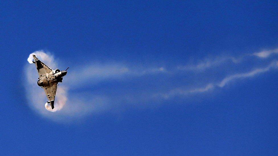 تعد الإمارات سوقا مهمة للطائرات المقاتلة ومن بينها طائرات ميراج الفرنسية