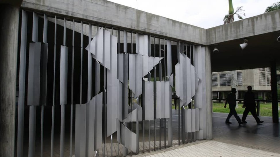 Mural de Víctor Vasarely, Homenaje a Malevitch
