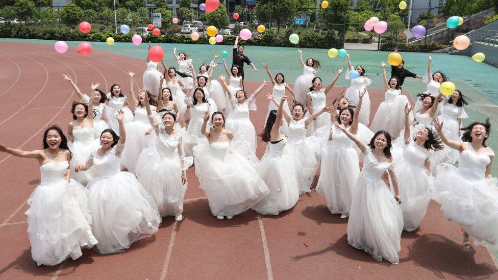 تزود الصين 80 في المئة من فساتين الزفاف في جميع أنحاء العالم