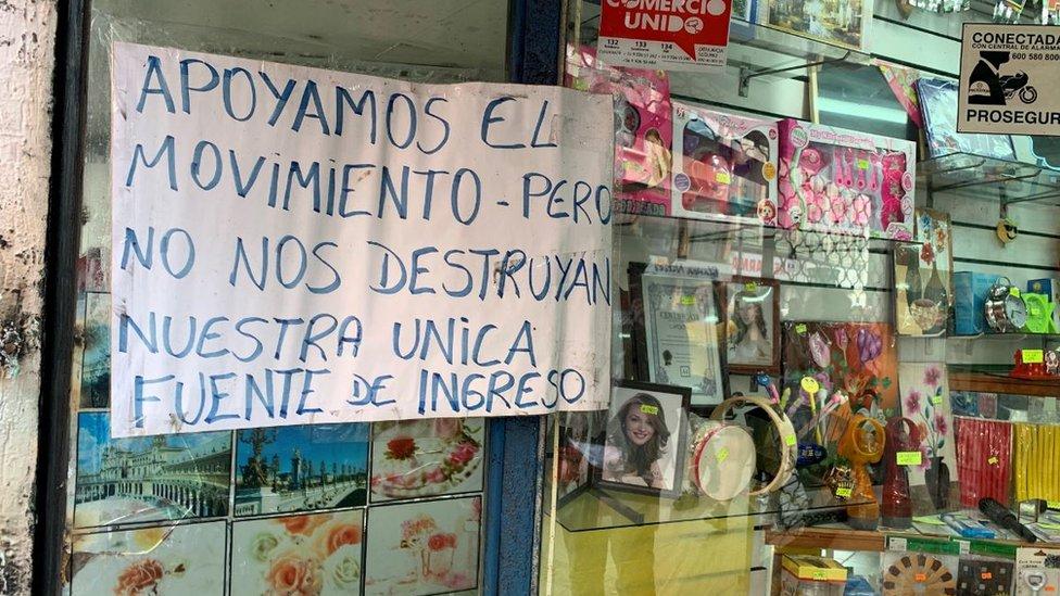 Letrero en un comercio de Valparaíso.