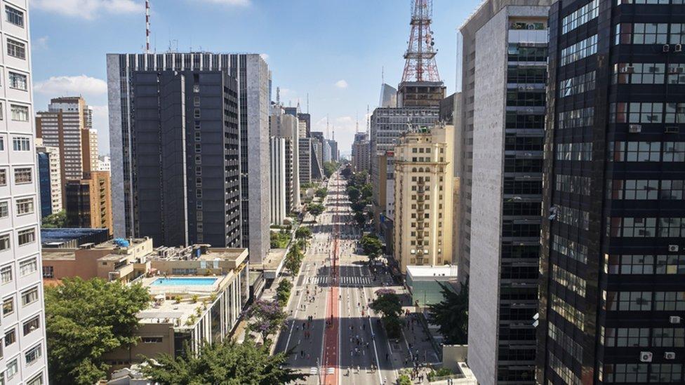 Inseguro' e 'caro', Brasil fica em 61º em ranking de 64 países avaliados  por profissionais estrangeiros - BBC News Brasil