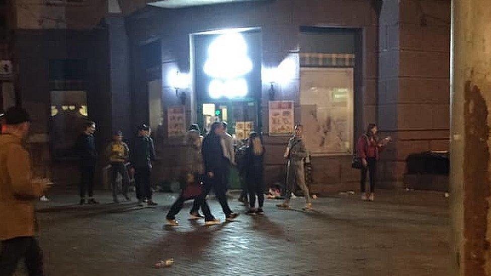Що винесли молодики з магазину в центрі Києва?