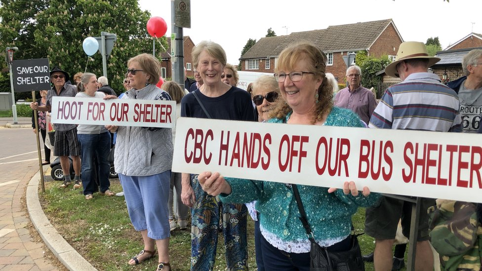Caddington villagers protest to save old bus shelter